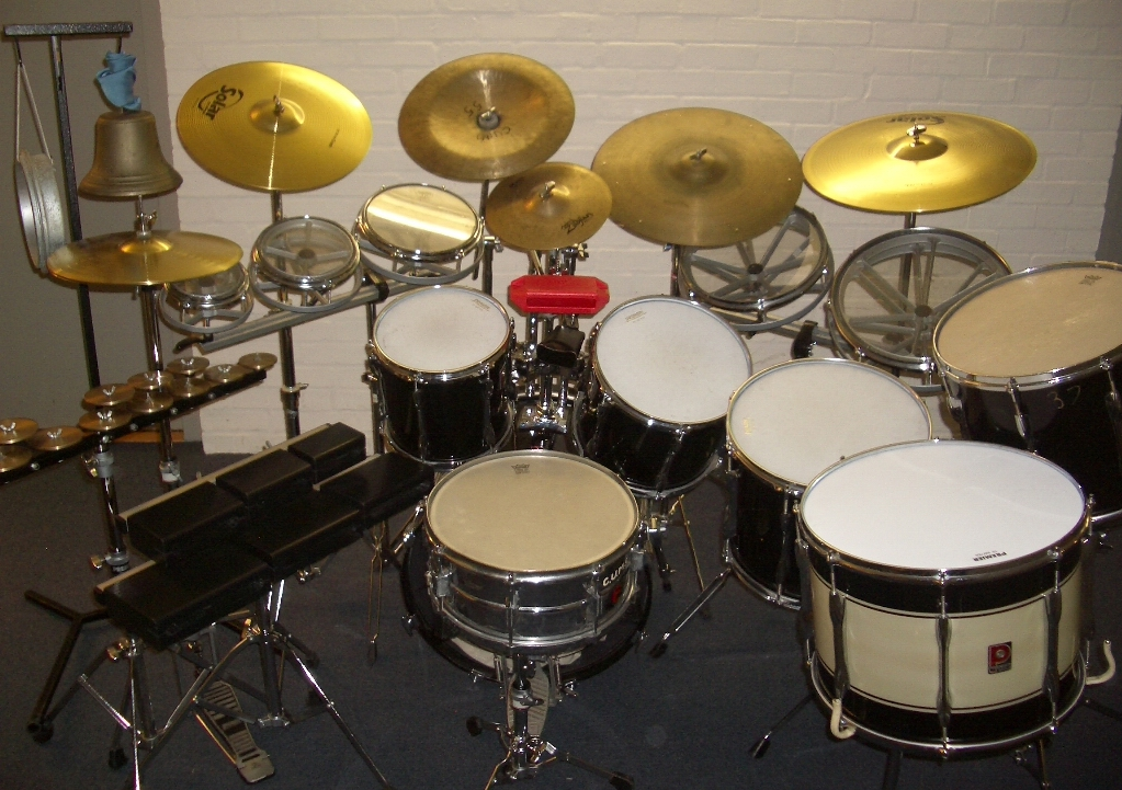 Large Drum Kit, with many effects